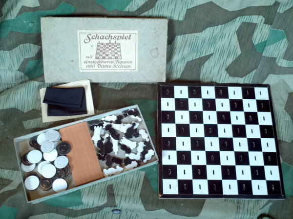 WWII German Schachspiel Chess / Checkers / Dame Game