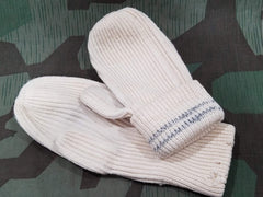 WWII German Size 2 White Mittens