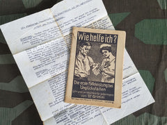 WWII German Wie Helfe Ich? Original First Aid Book Poison Gas Leaflet