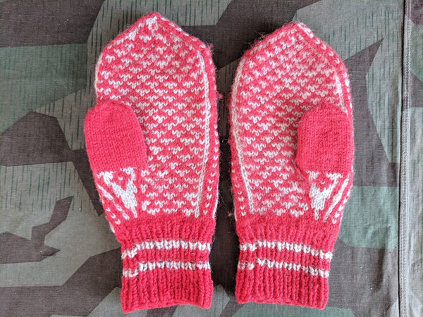 Red and White Knit Mittens