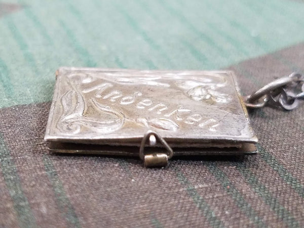 Andenken Photo Locket Necklace
