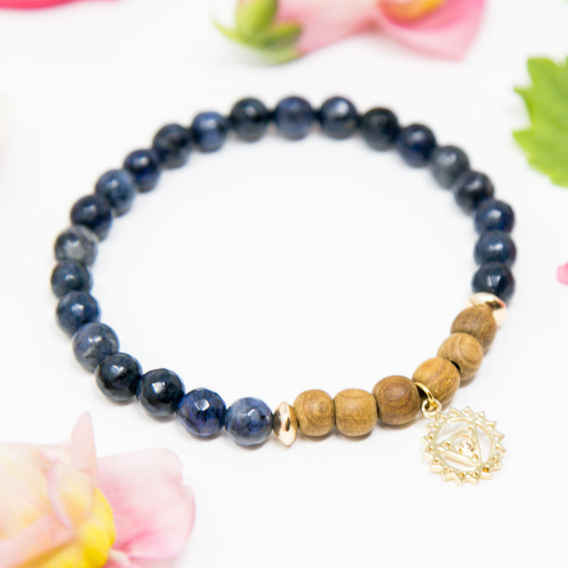 I Am Truthful + Grateful: Fifth Chakra Diffuser Mala Bracelet