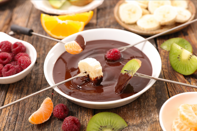 Five Leaf Chocolate Fondue Kit - Feeds About 10+ People