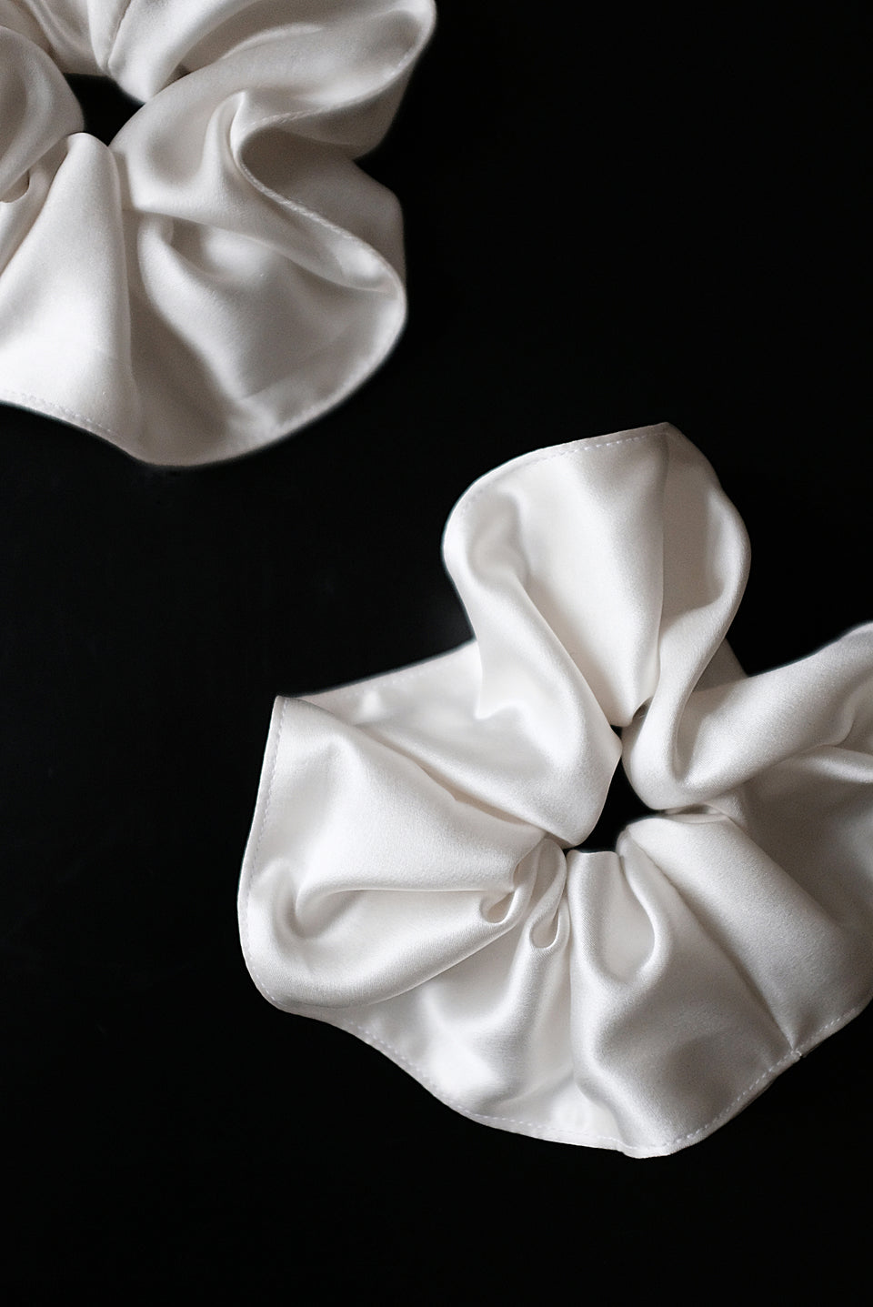 Silk Scrunchie Off White