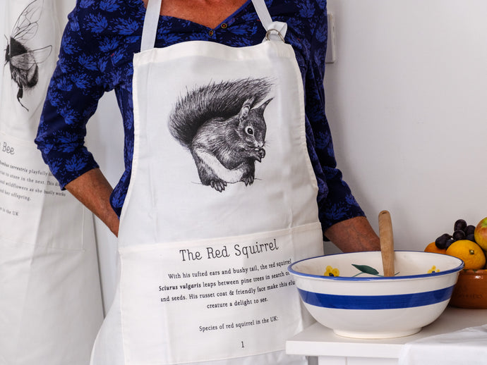 Red Squirrel Apron - NatureTree