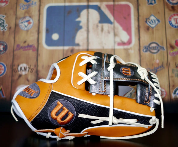 "Wilson A2000 DP15 11.5"" Limited Edition Baseball Glove - Gray/Orange"