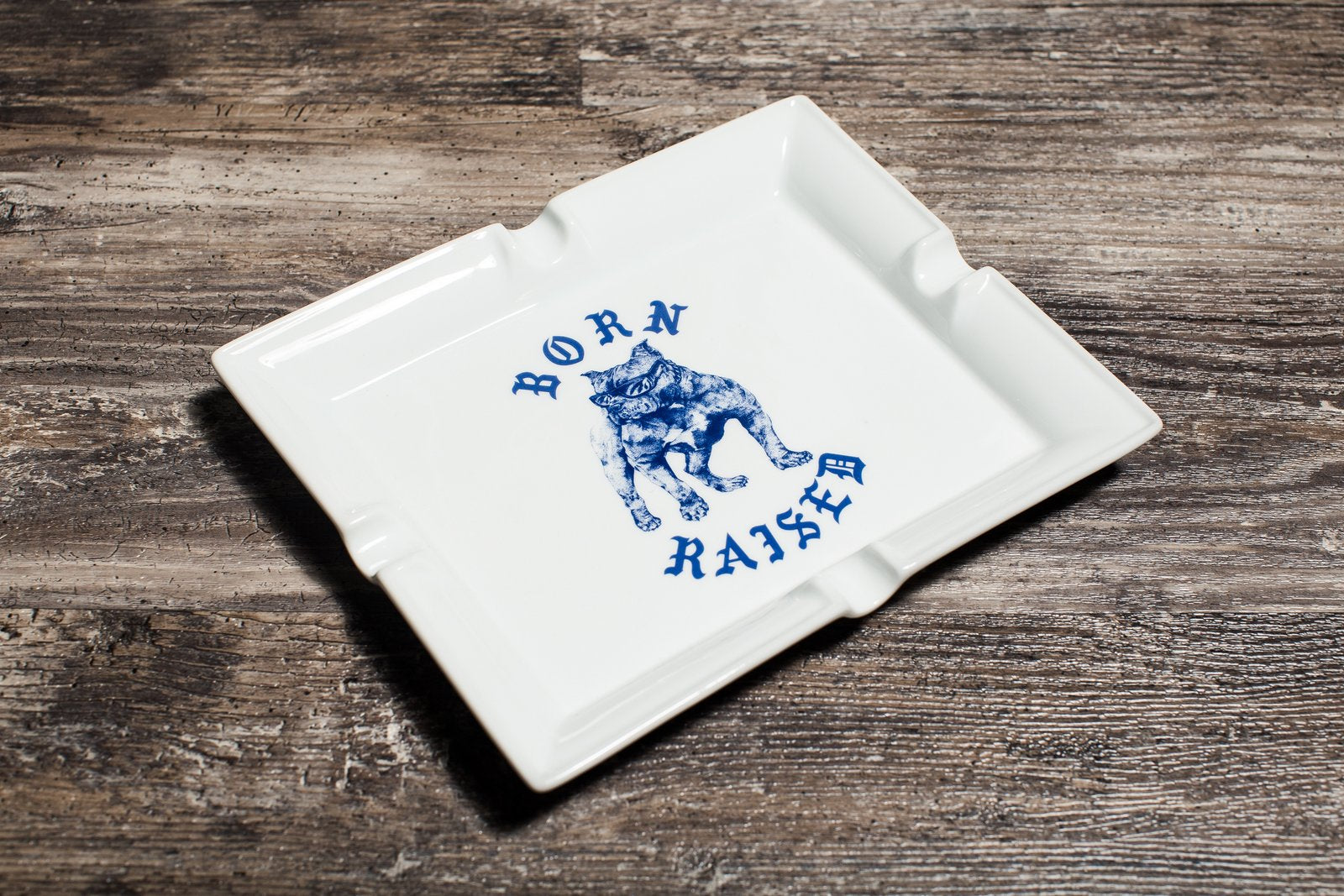 BORN X RAISED BOARDWALK SHARK ASHTRAY