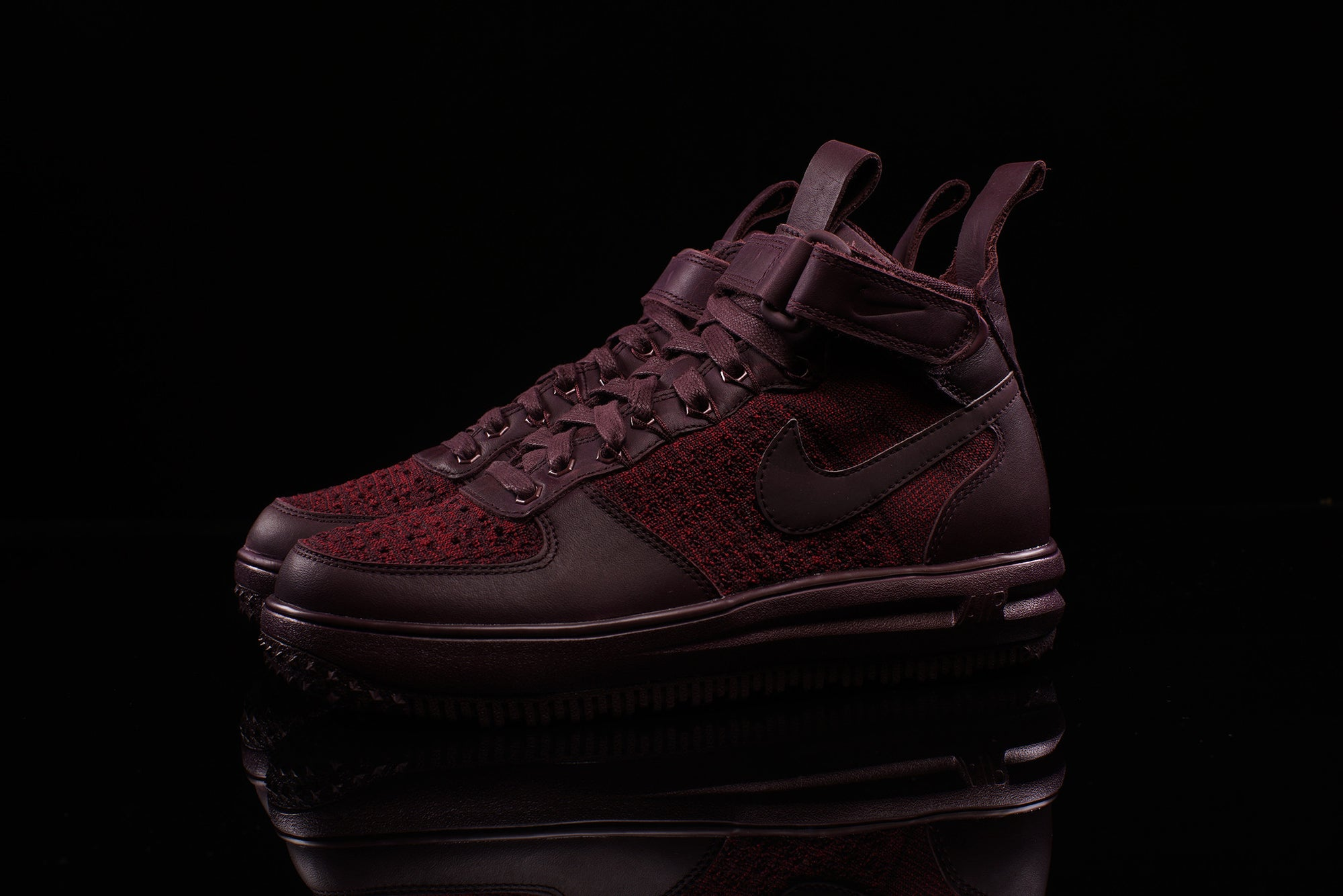 NIKE WOMENS LF1 FLYKNIT WORKBOOT