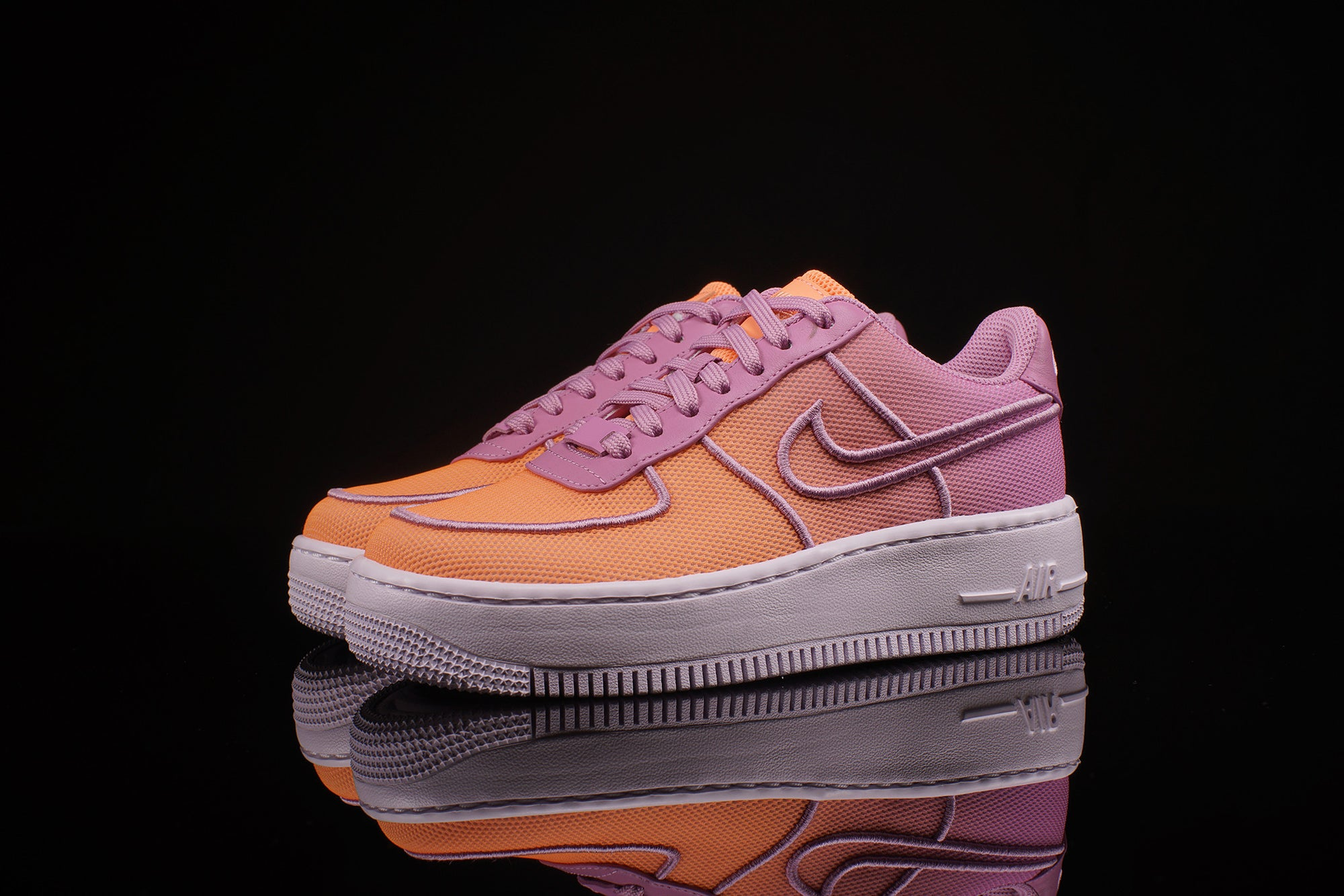 newest a25cf 3eb6d WOMENS NIKE AIR FORCE 1 LOW TOP UPSTEP BR