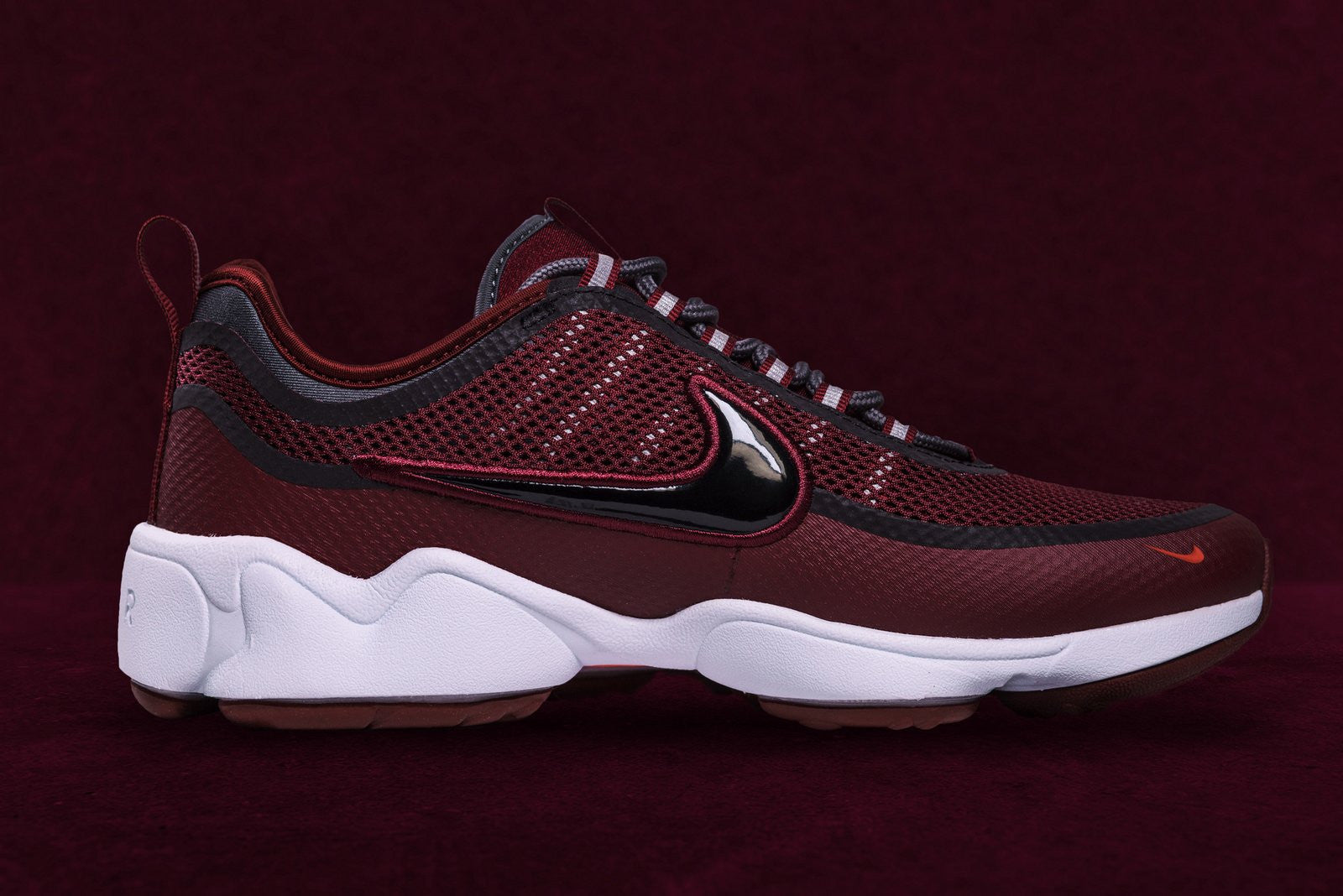 NIKE ZOOM SPRDN Team Red - Oneness Boutique