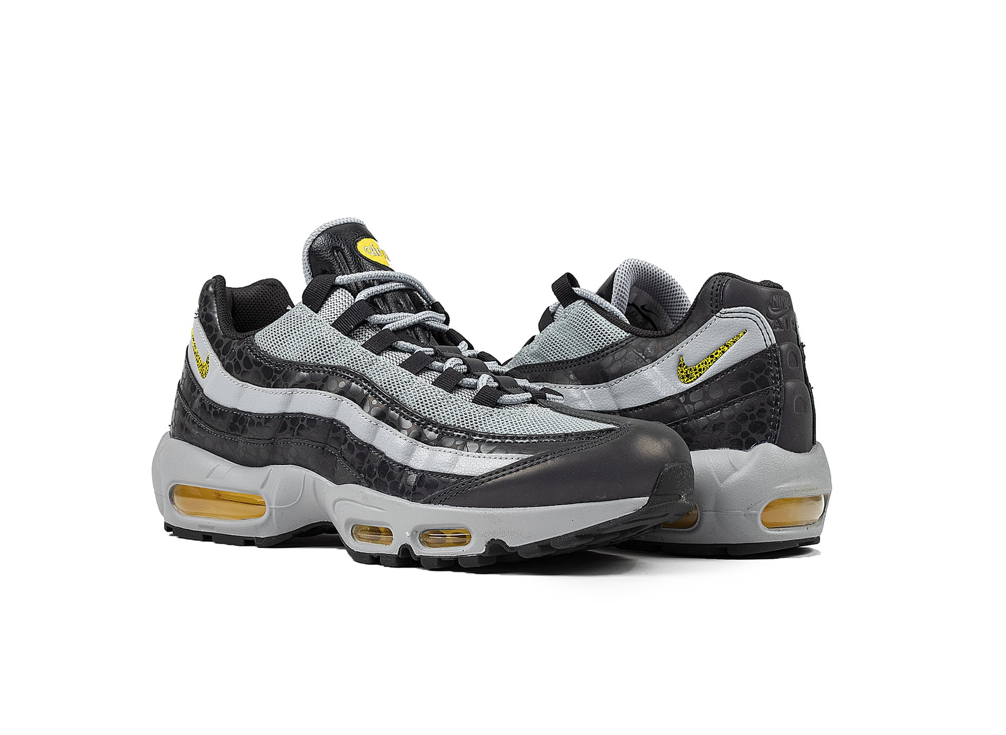 NIKE AIR MAX 95 SE REFLECTIVE - Oneness Boutique 751d1c9436b71
