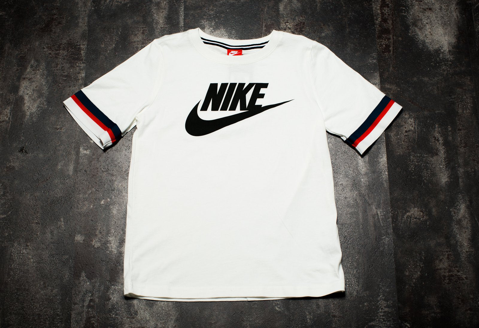 WOMENS NIKE SPORTSWEAR TOP