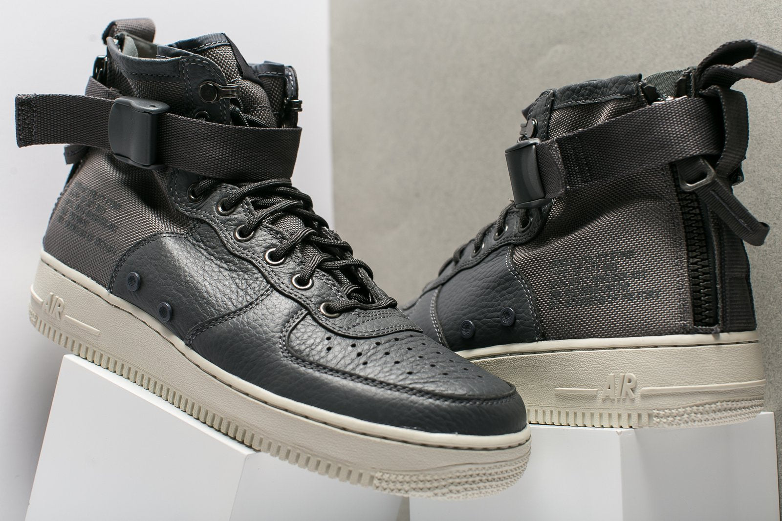 NIKE AIR FORCE 1 MID (GRADE SCHOOL BOYS) Oneness Boutique