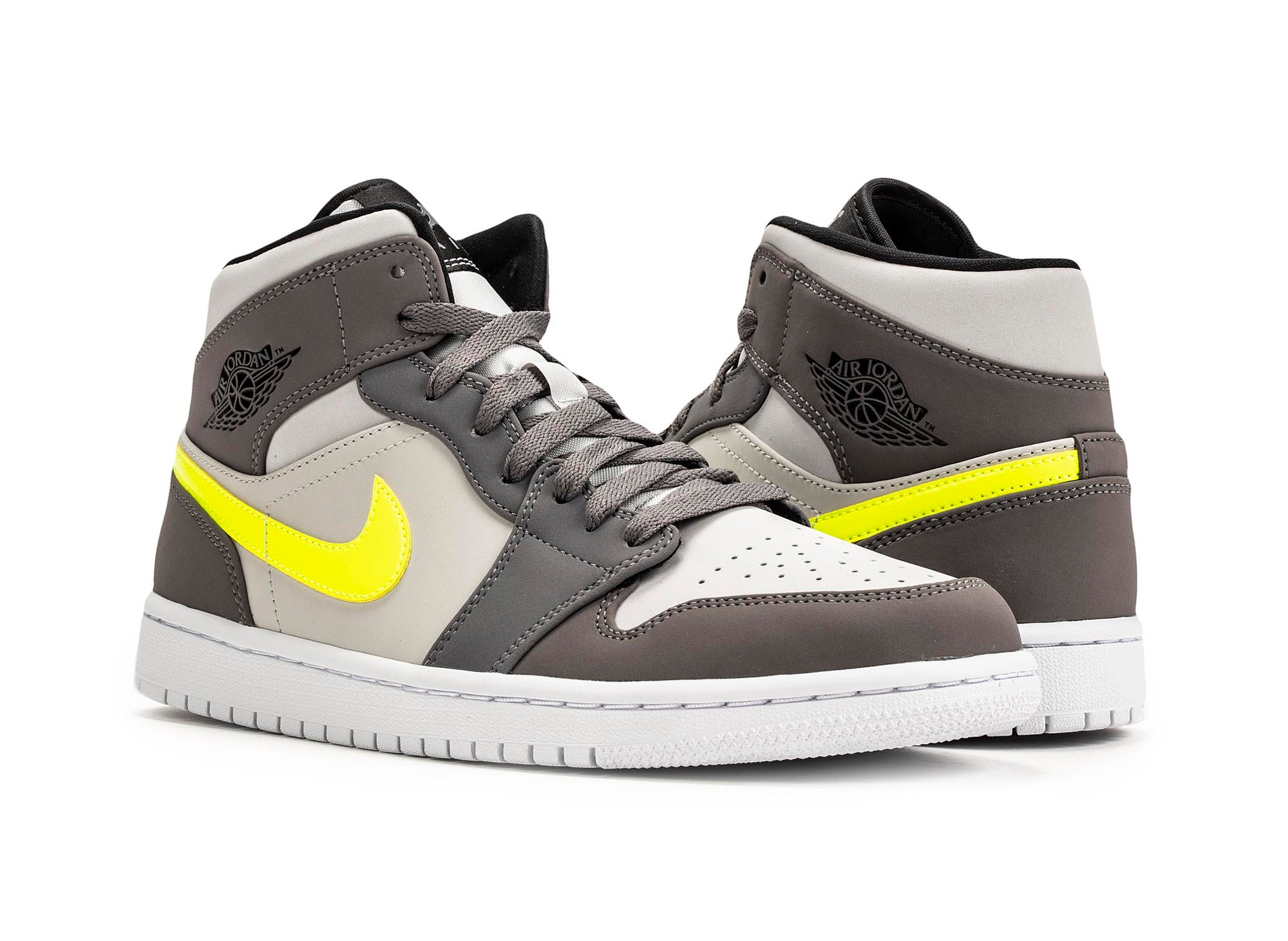 low cost c8bb2 ca105 Air Jordan 1 Mid 'Gunsmoke'