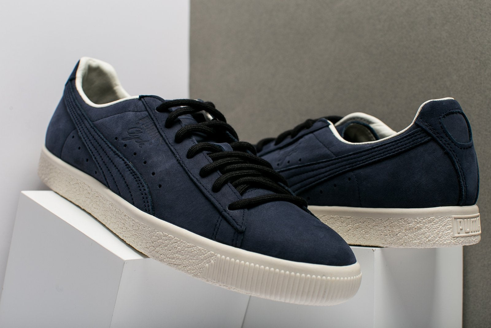 1e3d639bee8 PUMA CLYDE FROSTED - Oneness Boutique