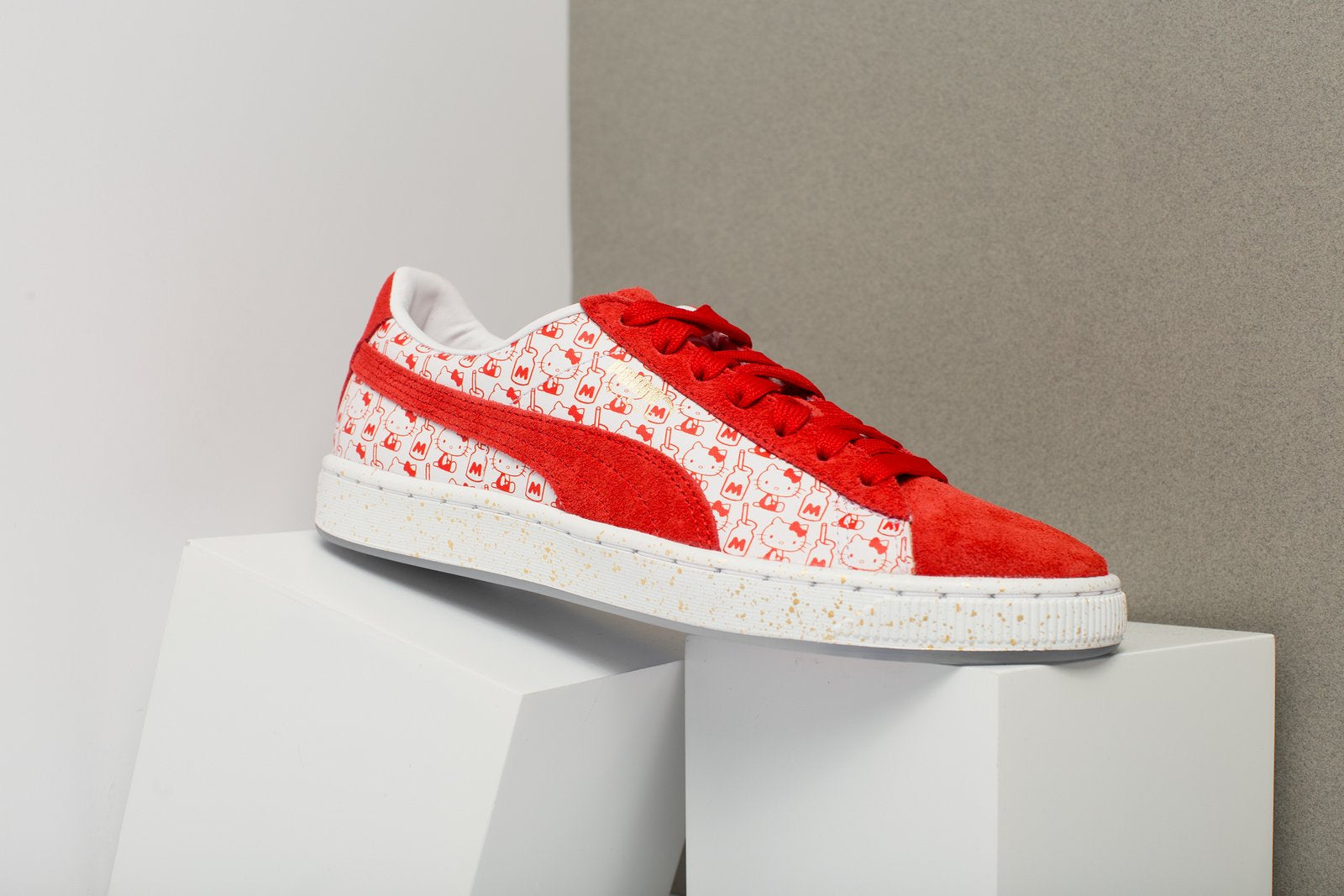 online store b7371 ac088 PUMA x HELLO KITTY SUEDE CLASSIC