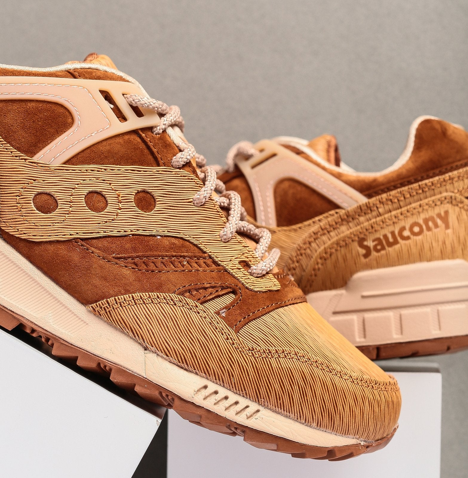 saucony grid sd ht 2017
