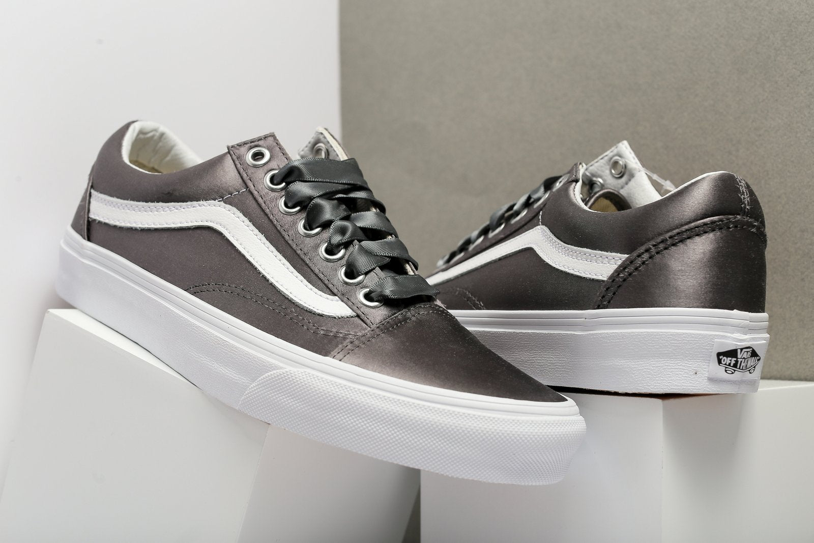 vans satin lux old skool
