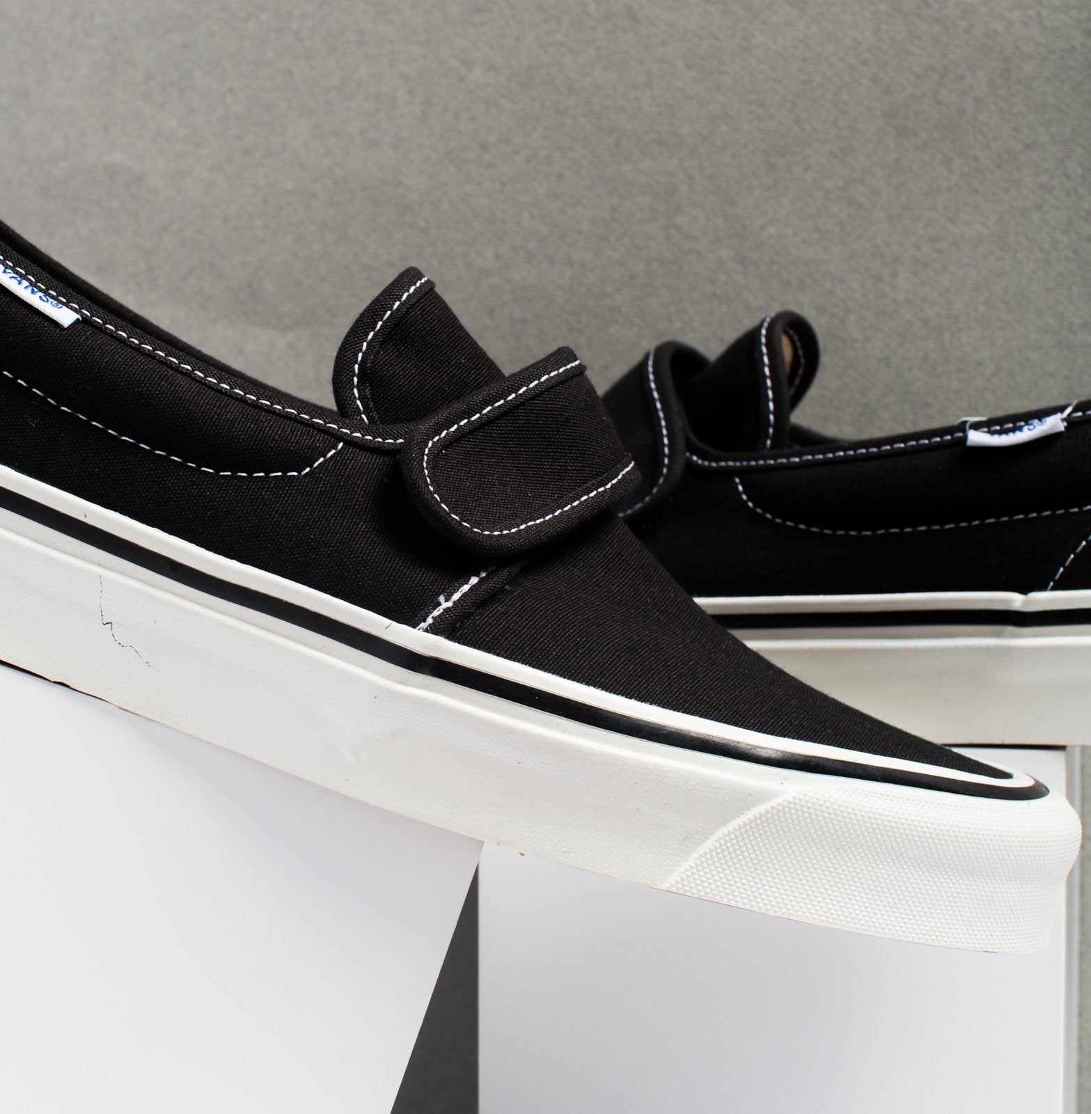 vans 47 dx slip on