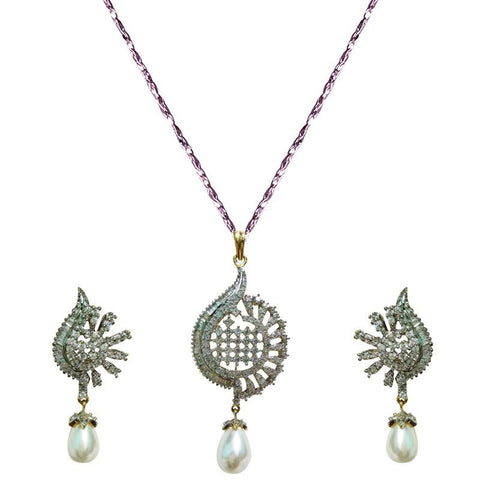 Alluring Crystal Studded Necklace Set