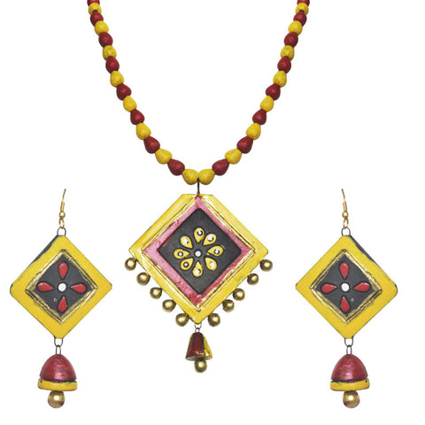 Beautiful Floral Terracotta Necklace Set For Women