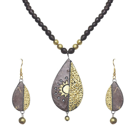 Brown And Golden Teracotta Necklace Set