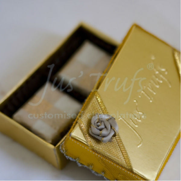 Wedding Favour Chocolate Box of 12 - Giftingnation