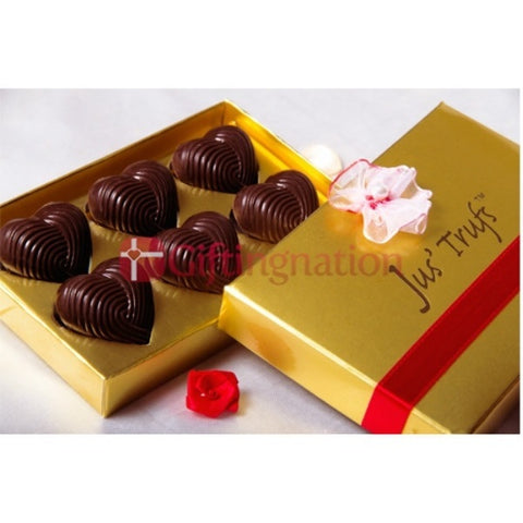 Heart Delight Chocolate Gift Box - Giftingnation