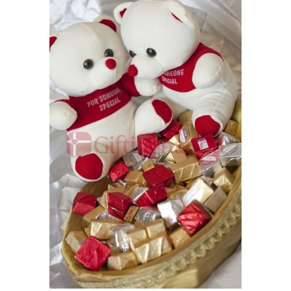 Two Hugging Teddy Bear Chocolate Gift Hamper - Giftingnation