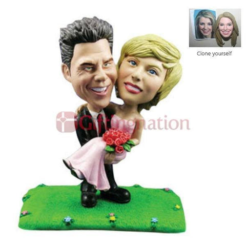 Custom Bobblehead of Husband Holding Wife - Giftingnation