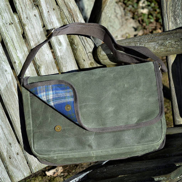 Nomad messenger bag from Backpacker Apparel