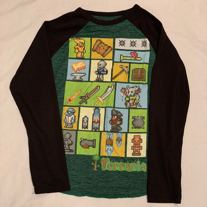 Terraria long sleeve Size 8