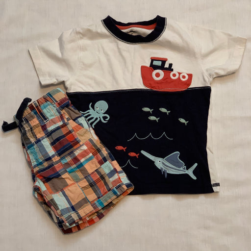 Gymboree tee and shorts
