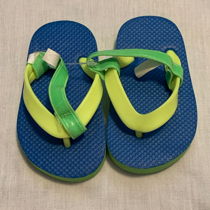 Childrens Place flip flops Size 4/5T (12/18M)