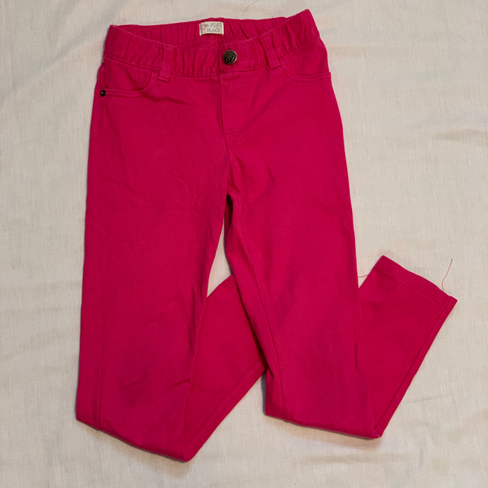 Childrens place jeggings small spot above knee Size 8