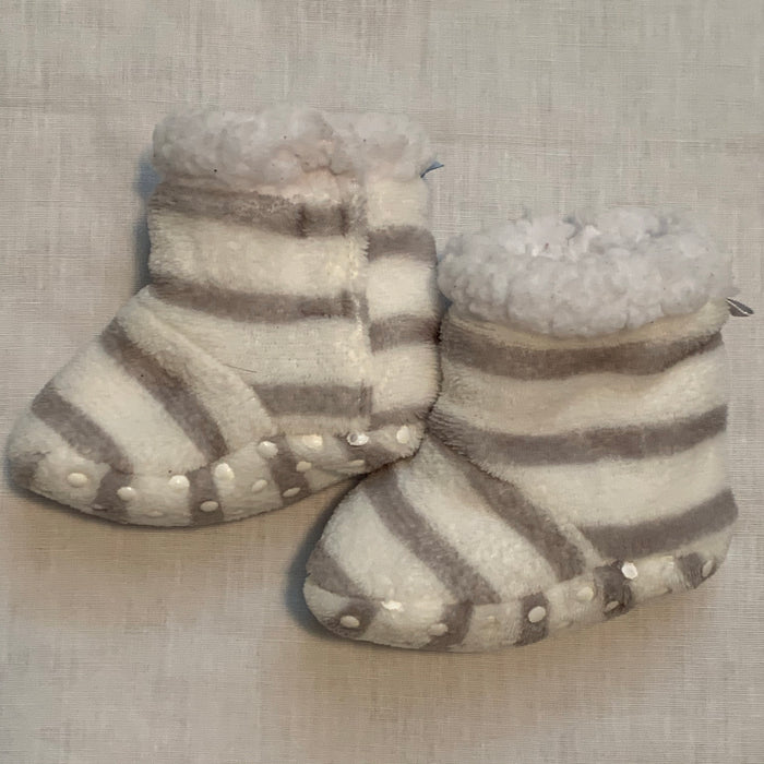 Fleece soft booties Size 12M
