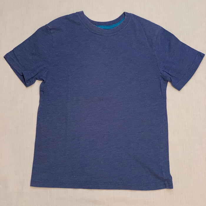 Dri fit cotton tee small spot on neck Size 8