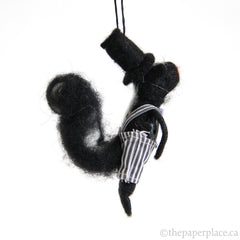 Artiste Skunk Ornament - Bow Tie