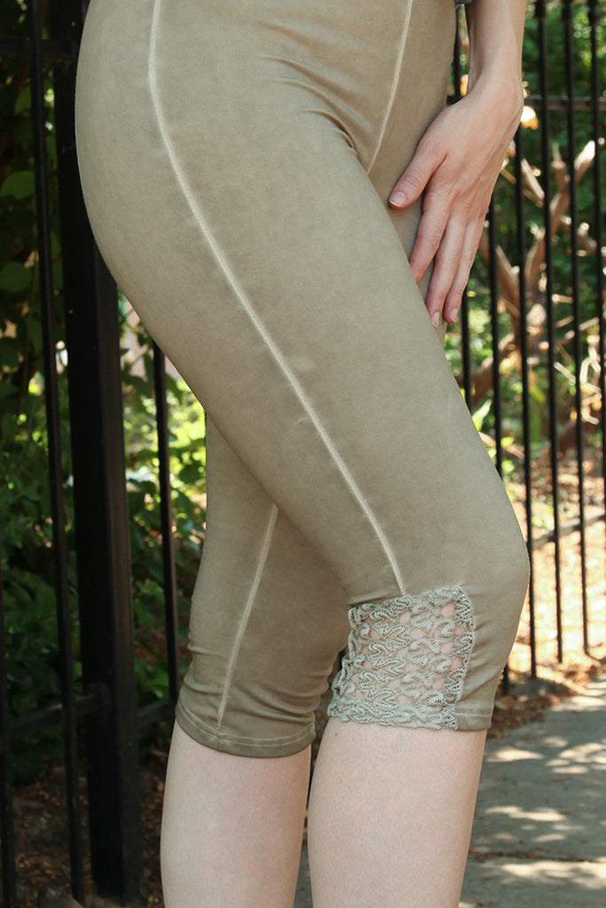 Lace Detail Cropped Legging in Champagne
