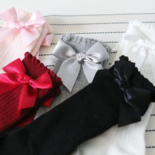 Load image into Gallery viewer, Baby and Toddler Girls Bow Socks