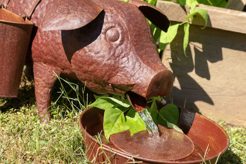 Lovecup Pig Fountain with Planters L574