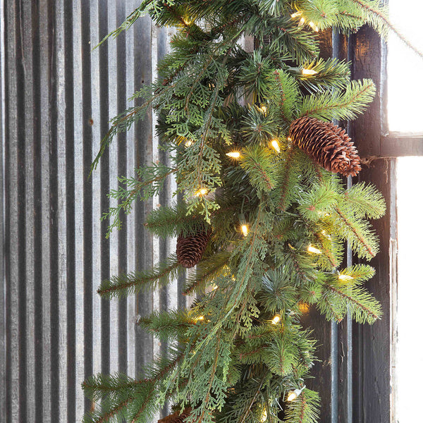 Lovecup 9' Lifelike Evergreen Branches Garland with LED L673