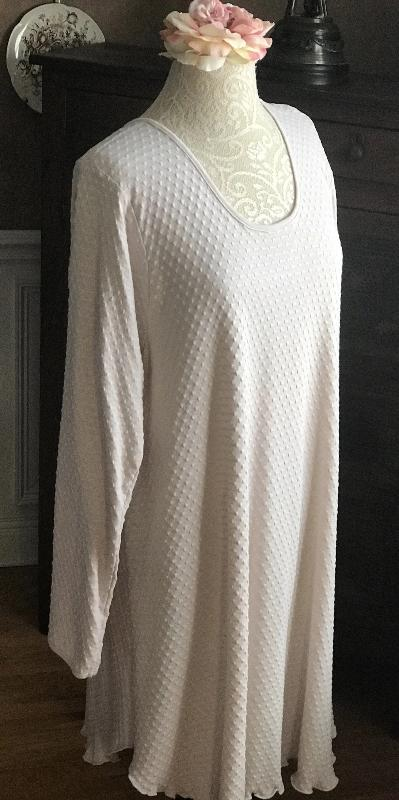 Smokey Neutrals Long Sleeve Short Gown Dot Collection