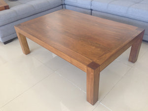 Mesa de centro Akumal · Akumal coffee table