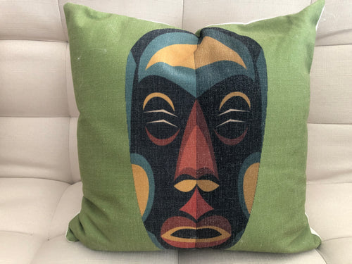 Cojín Decorativo Máscara Verde // Green Mask Pillow