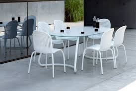 Mesa de comedor Loto / Loto dining table