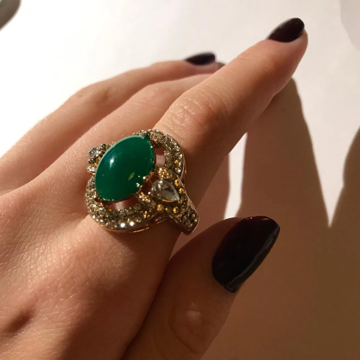 Retro Style Emerald Color Stone Zarconia Ring