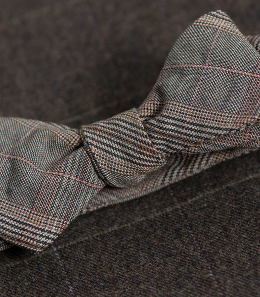 Puckered Plaid Bowtie