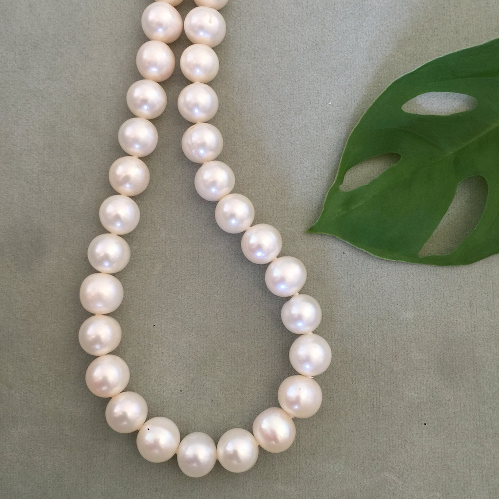 White Round Freshwater Pearl Necklace