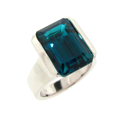 White gold London Blue Topaz 70's Cocktail Ring